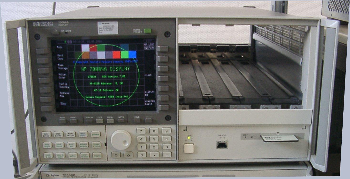 COLOR DISPLAY AND MAINFRAME - KEYSIGHT TECHNOLOGIES (AGILENT/HP)